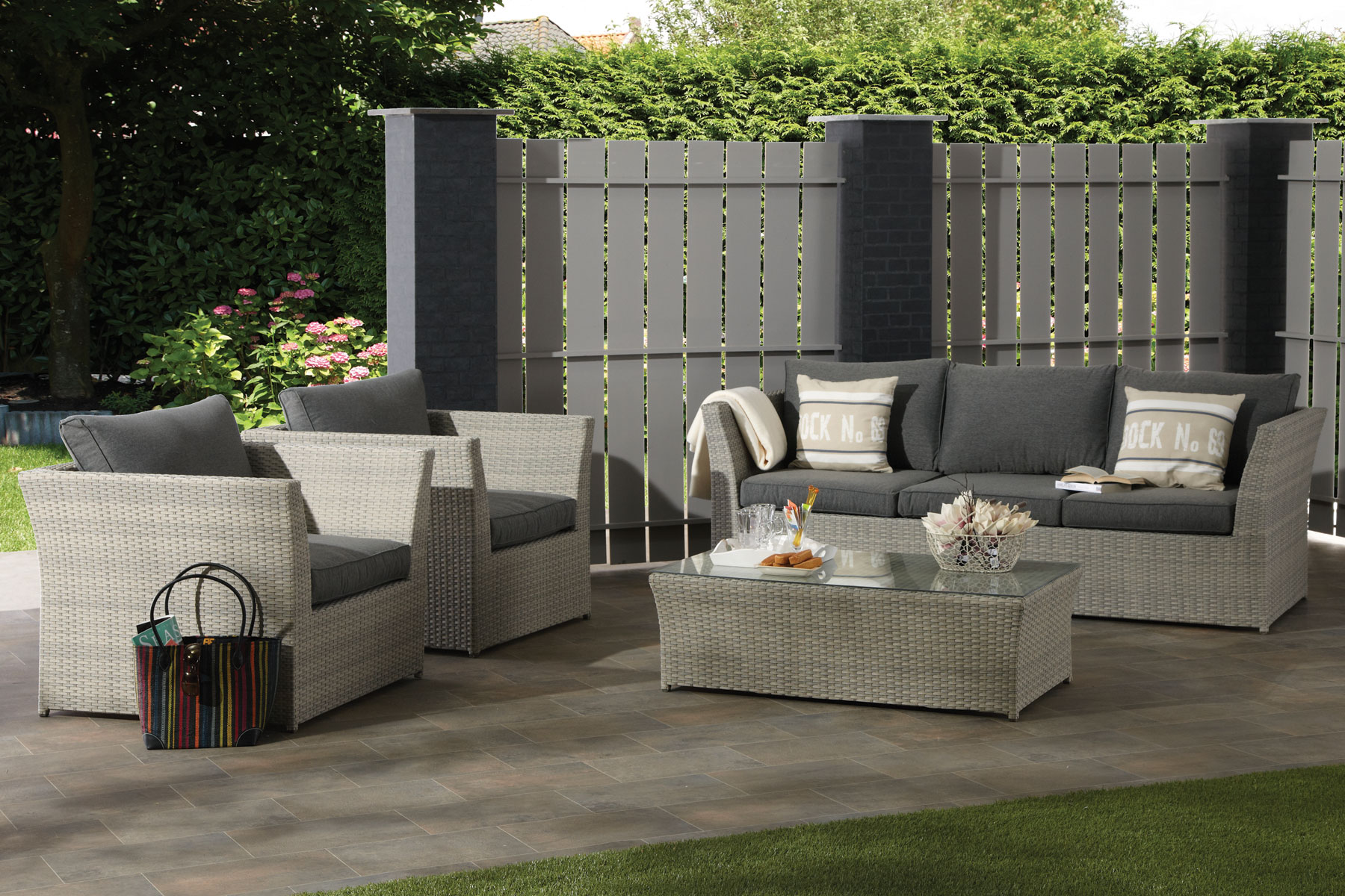 polyrattan gartenloungem bel bei zeottexx gartenm belausstellung. Black Bedroom Furniture Sets. Home Design Ideas