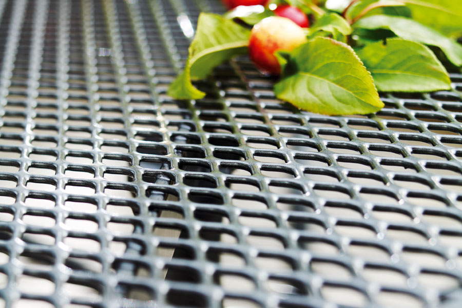 Materialmuster Streckmetall – ZEOTTEXX Gartenmöbelausstellung in Bolheim