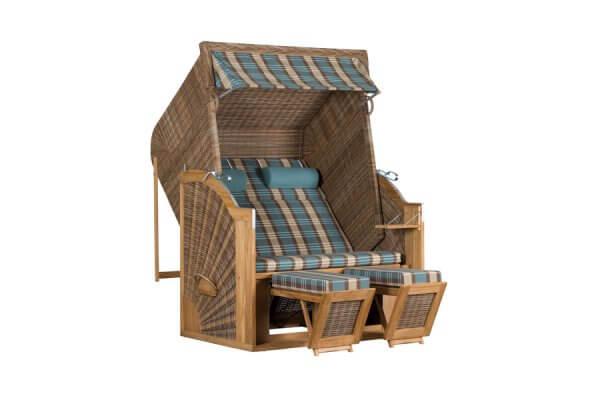 Strandkorb für den Garten aus Geflecht und mit Holz-Elementen