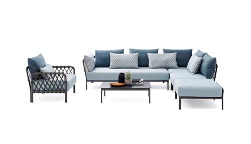 Loungemöbel, Tische und Sessel bei Zeottexx