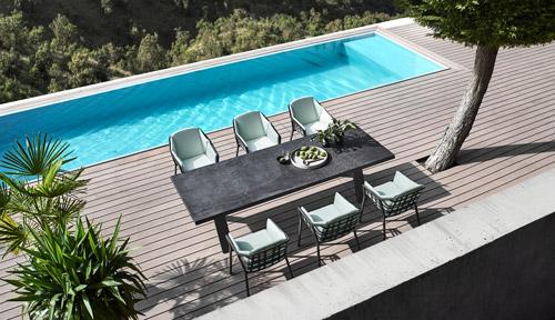 Gartenmöbel, Gartentisch und Gartenstühle mit mintgrünem Bezug