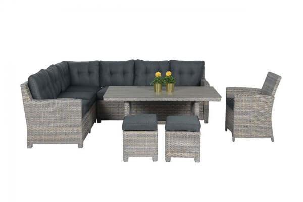 Loungegarnitur mit Esstisch und Hockern