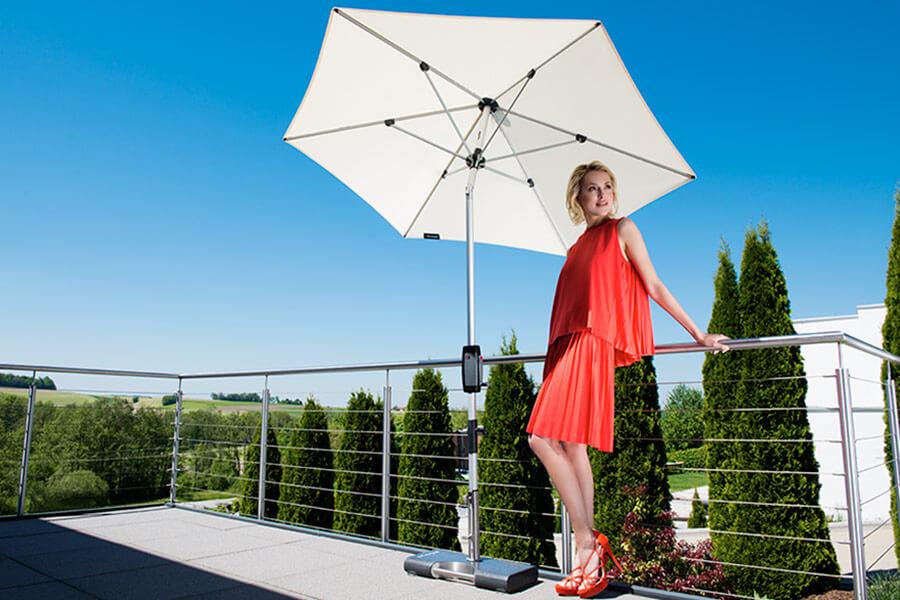 Knirps Silver Sonnenschirm in naturweiß für den Balkon