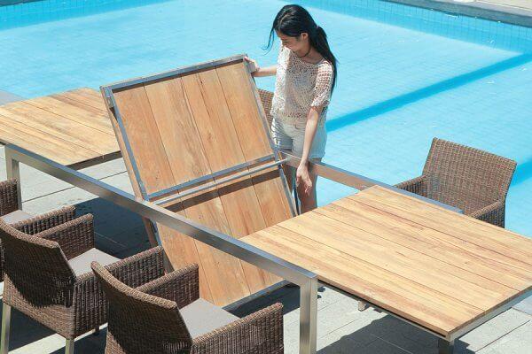 Ausklappbarer Holztisch von ZEBRA