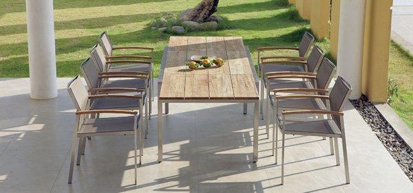 Tischgarnitur mit passenden Stühlen von ZEBRA