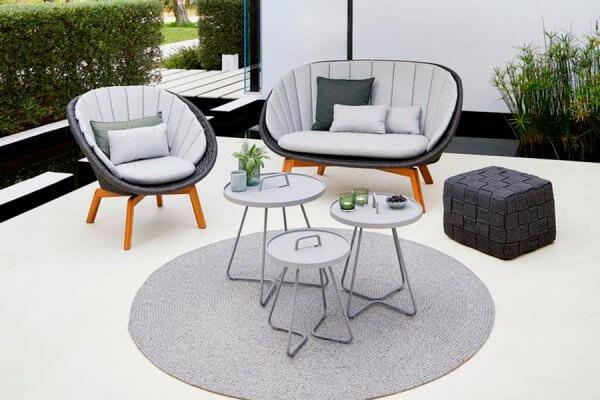 Sesseln und Sitzmöbel von Cane-line mit Accessoires in grau