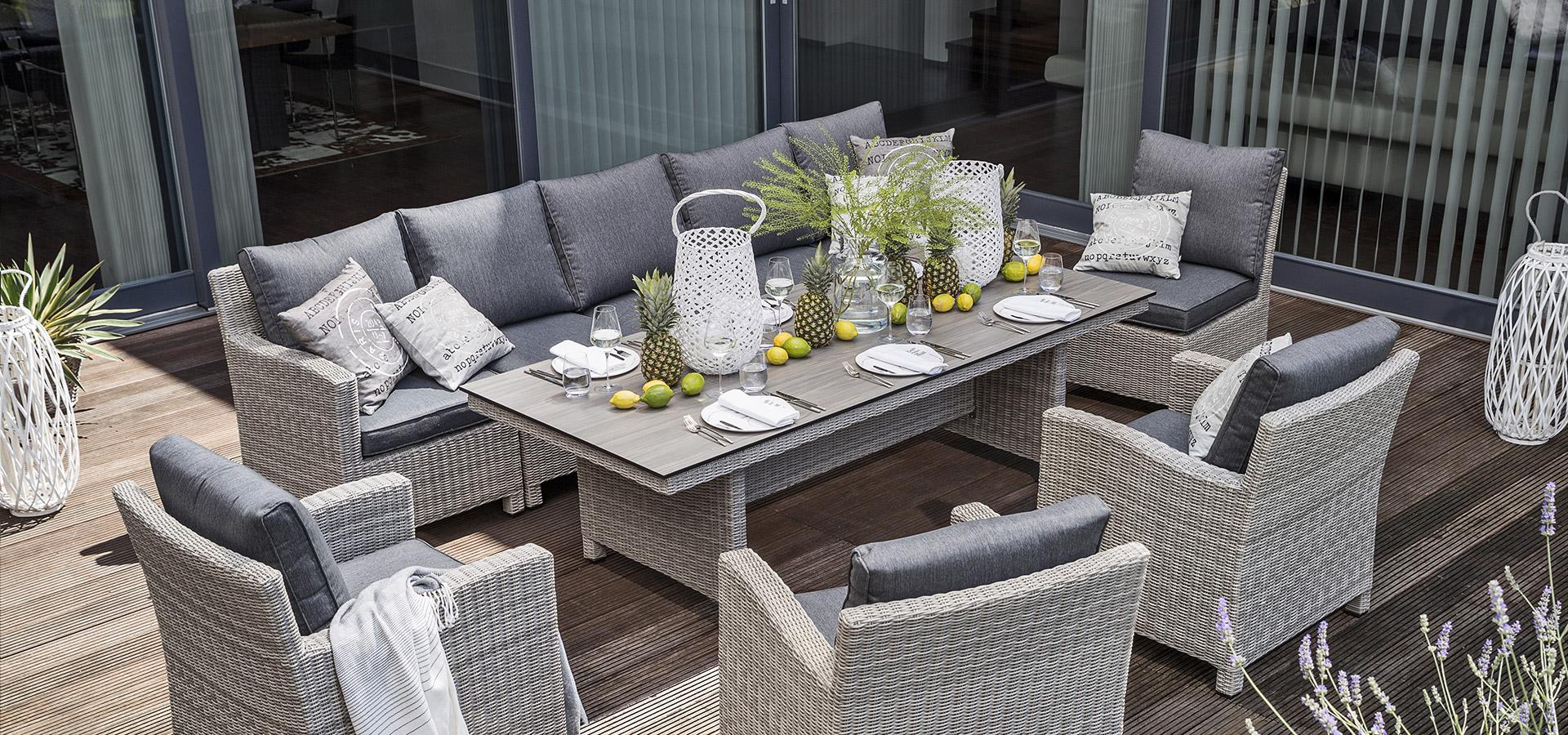 Geflecht-Loungemöbel Terrasse