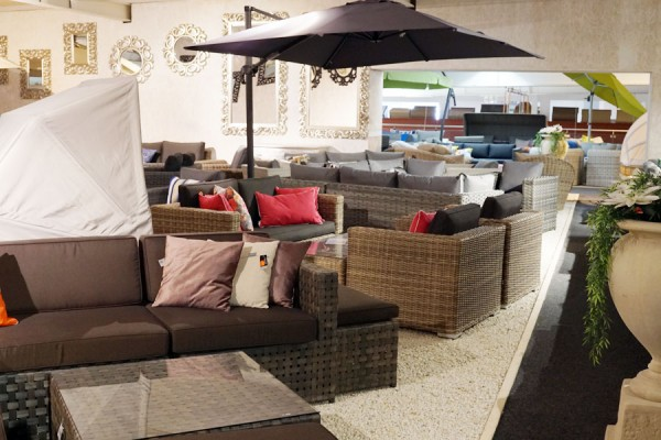 Impression Loungemöbel der ZEOTTEXX Gartenmöbelausstellung in Bolheim