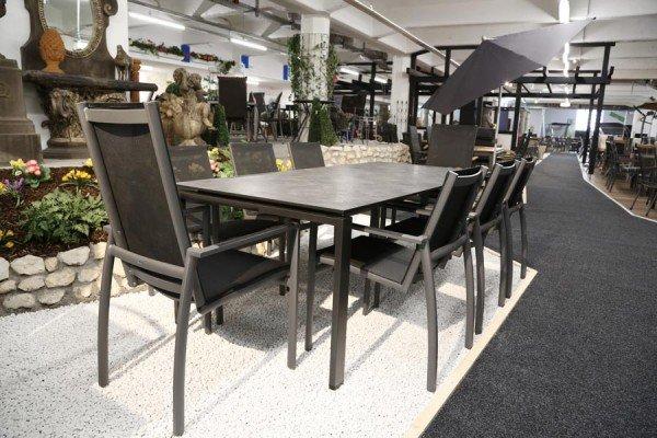 Gartenstühle und Gartenliegen bei ZEOTTEXX Gartenmöbelausstellung in Bolheim