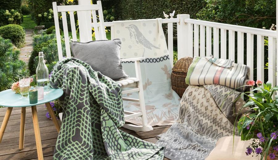Heimdecken mit Mustern bei ZEOTTEXX Gartenmöbelausstellung in Bolheim