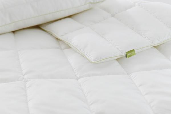 Hochwertige Bettwaren bei Gartenmöbelausstellung von ZEOTTEXX