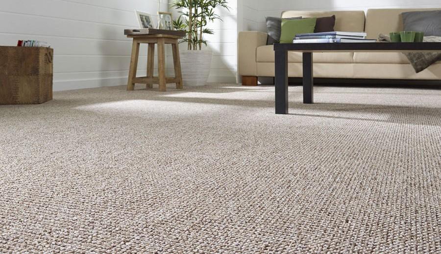 Exklusive Teppichbodenbeläge bei Gartenmöbelausstellung von ZEOTTEXX